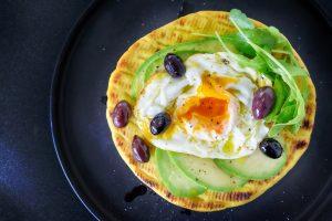 egg, avocado & olive breakfast